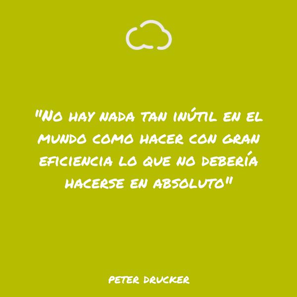 frases de informatica Peter Drucker
